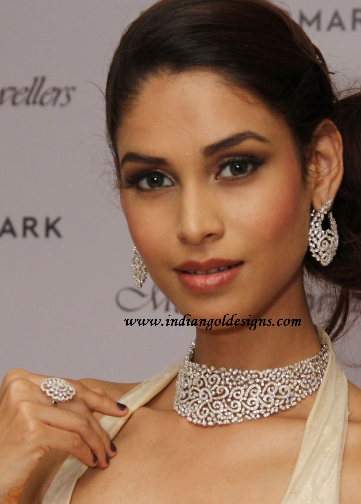 Gold and Diamond jewellery designs: Model in designer diamond ...