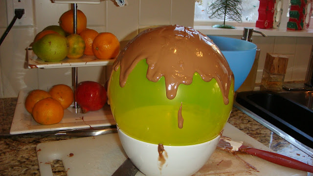 Making Chocolate Bowl