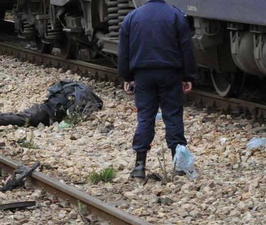 влак смаза млад мъж