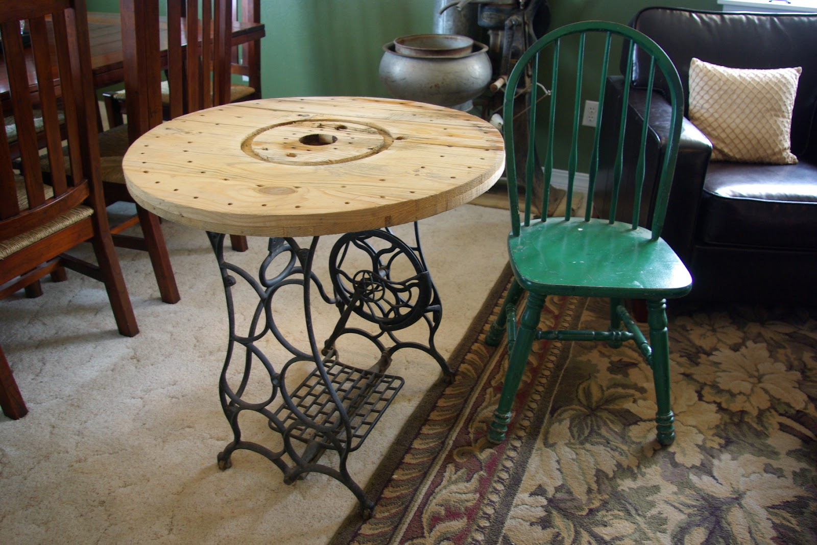 Perfect this sewing machine bistro table is the perfect rustic piece for a  1600 x 1067 · 292 kB · jpeg