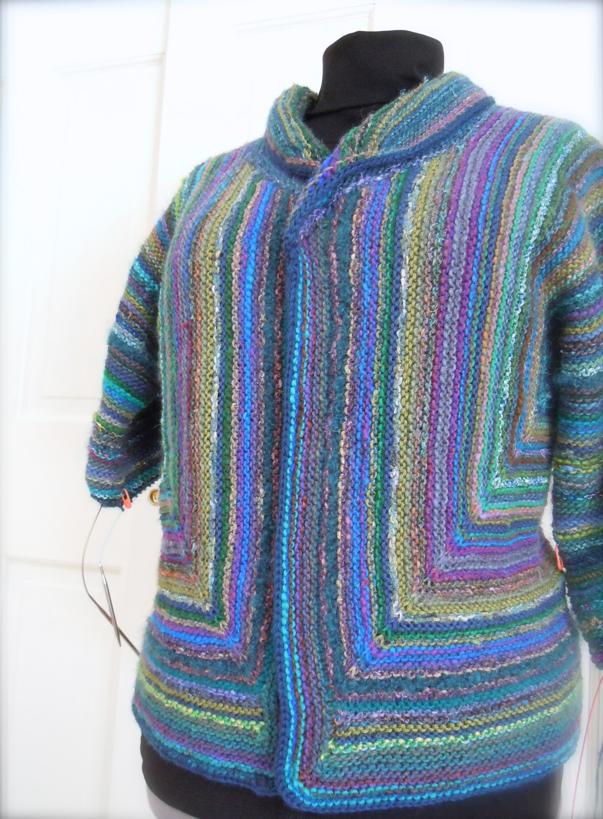Free Knitting Patterns For Neck Warmers : Elizabeth Zimmermann Adult Surprise Jacket II