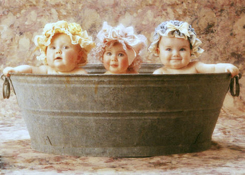 Old Fashioned Baby Bathtub