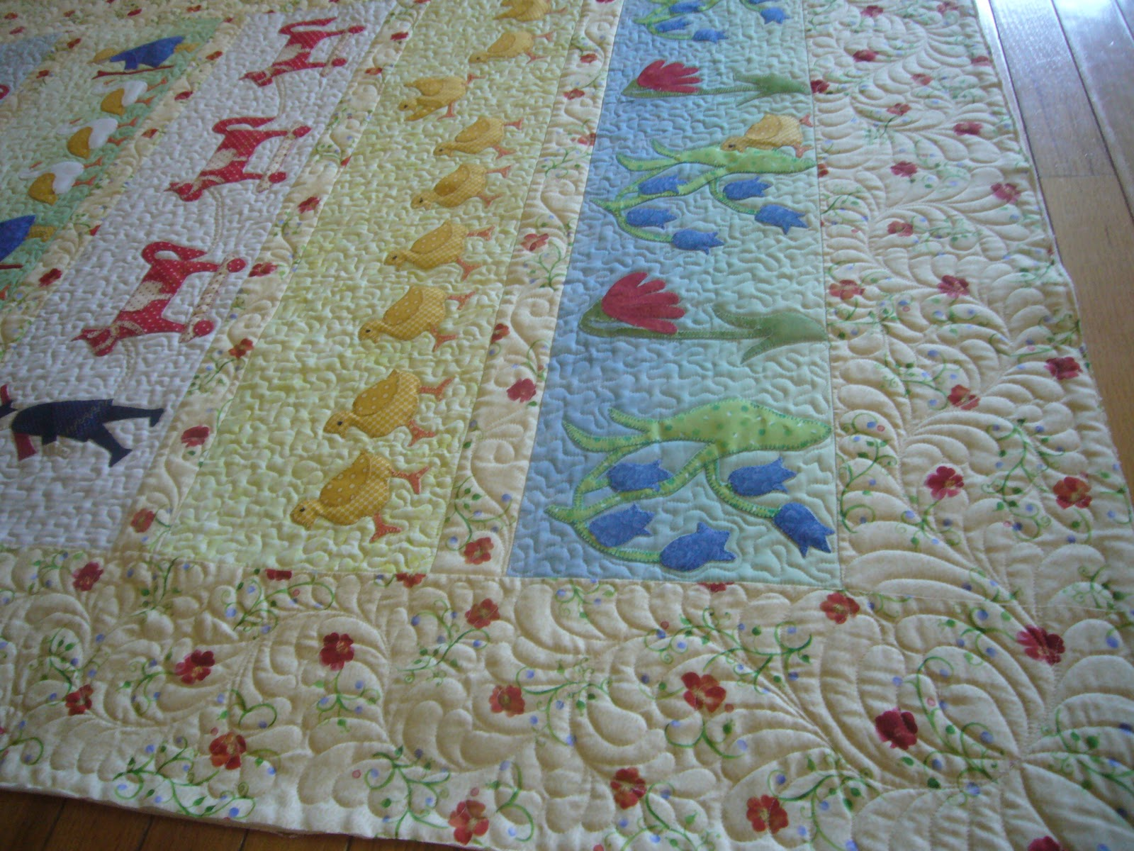 THE QUILTED PINEAPPLE: William Morris Applique : stippling a quilt - Adamdwight.com