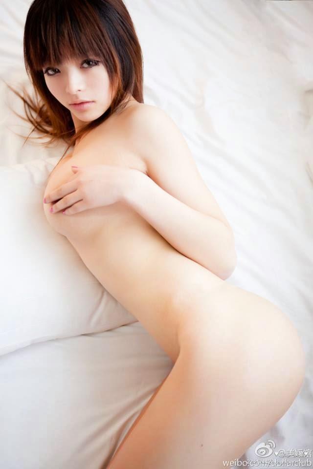 Nude li Thuy Li
