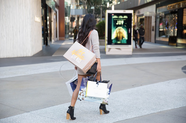 santa monica place shopping, pursuit of shoes, shopping in LA