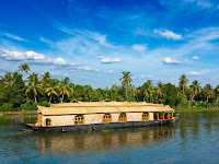 Best Kerala houseboat packages