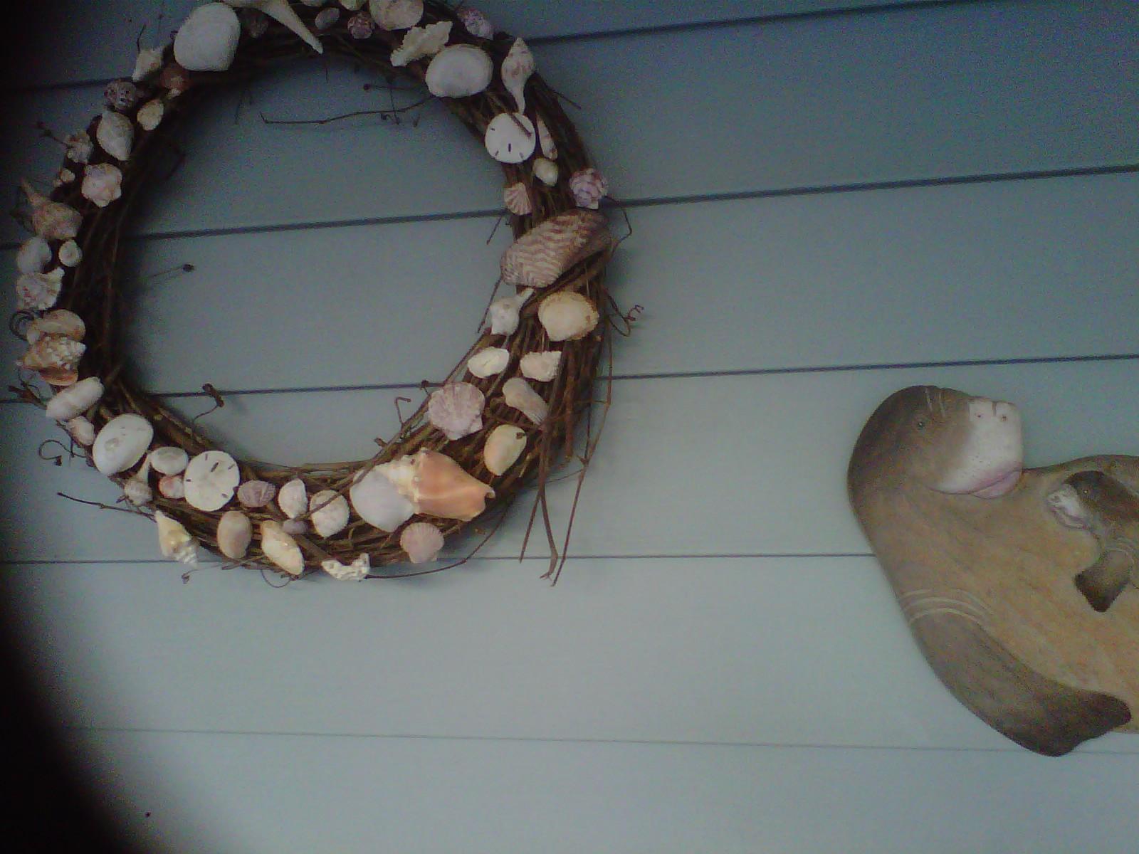 Ready or not seashell craft ideas for Seashell wreath craft ideas