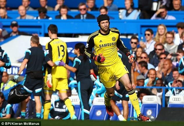 Cech akan menggantikan Courtois untuk laga Hull