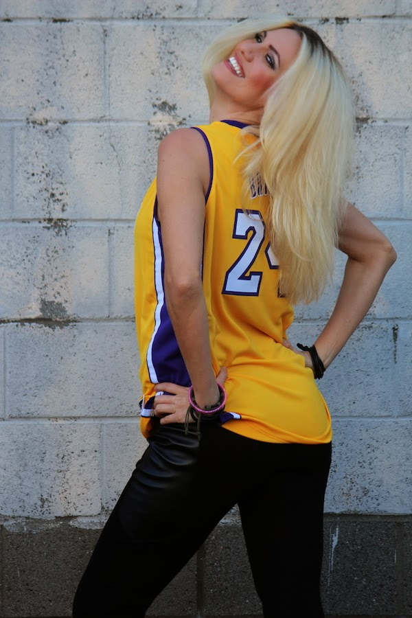 Anne-Cohen-Los-Angeles-Lakers-Blogger