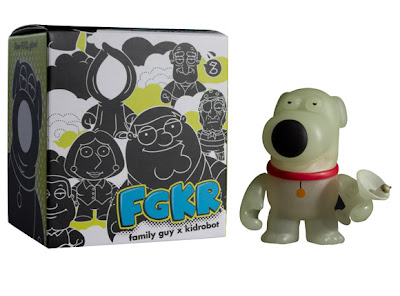 San Diego Comic-Con 2011 Exclusive Glow in the Dark Brian Family Guy Mini Figure by Kidrobot