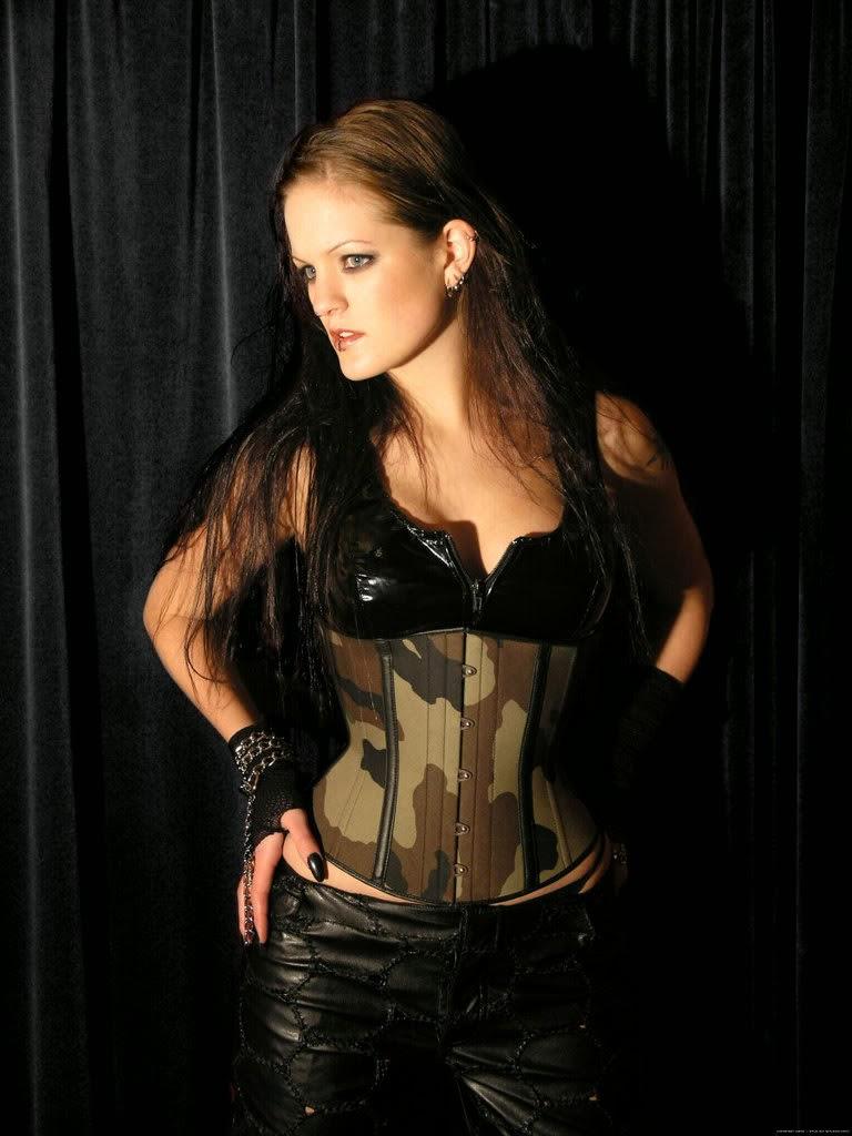 Henriette, antigua vocalista de Sirenia