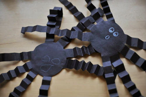 paper crafts for Halloween celebrations