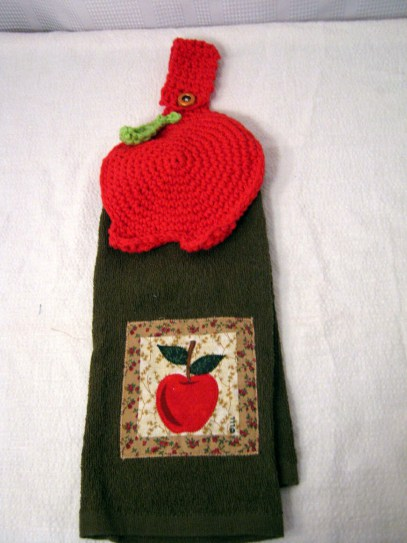 Oui Crochet Apple Towel Topper By 2 Crochet Hooks Pattern From The