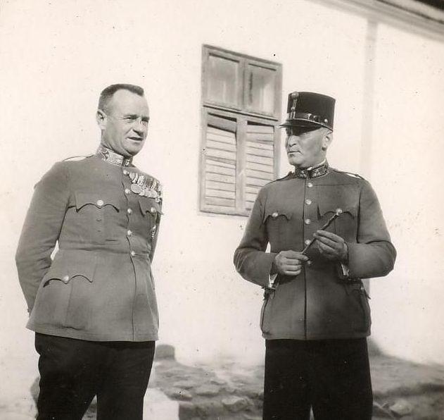Magyar Honvéd  Halasi kerékpárosok útja Rimaszombatba – 1938. f52a2860ed