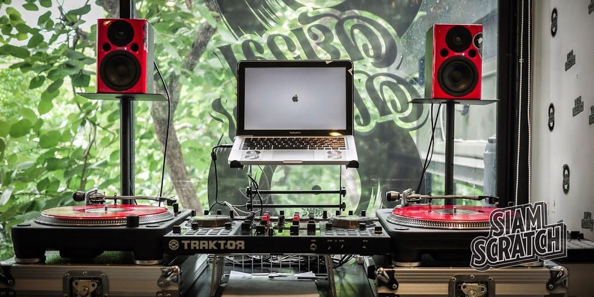 Studio SiamScratch เรียนDJ ห้องซ้อมDJ อุปกรณ์DJ เรียนทำเพลง