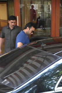 Salman Khan & Sunil Shetty visits Sanjay Dutt's residence