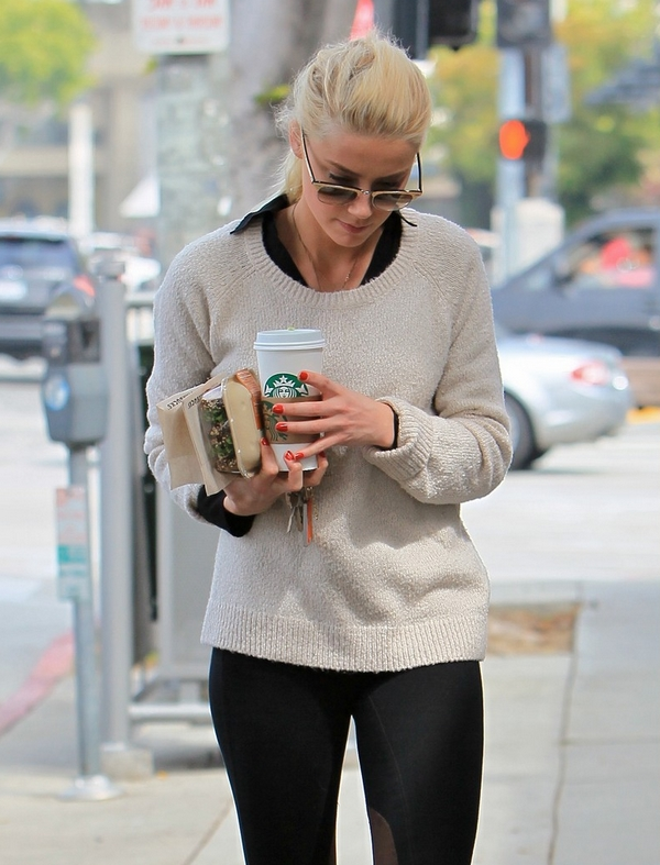 Amber heard Starbucks Coffee
