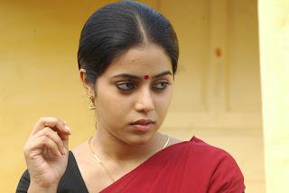 poorna  stills in karuvachi movie stills (10)
