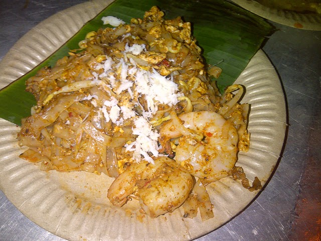 Char Kway Teow (Fried Chinese Rice Noodle)