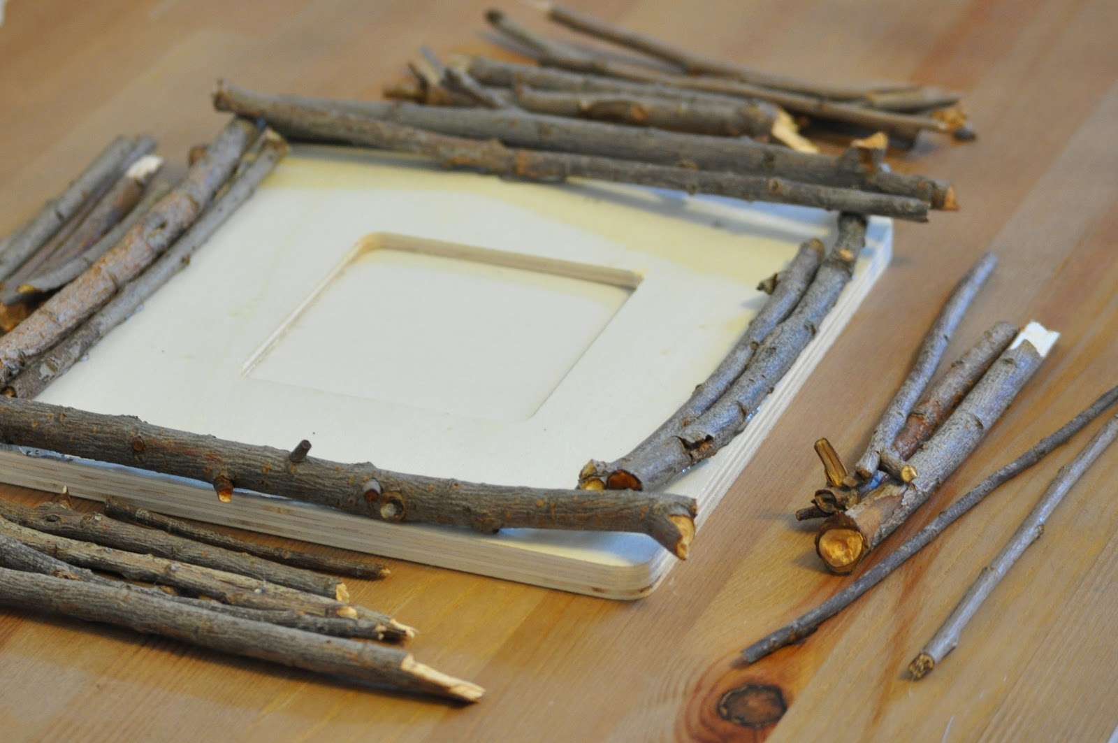 Pie N\' the Sky: 12 Days of DIY // woodland frame