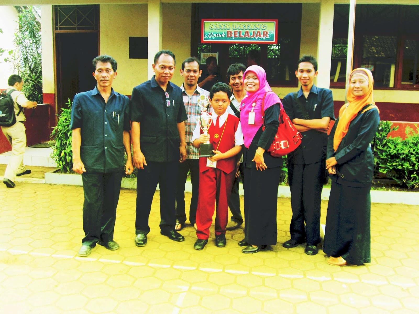 Satria Galih Samodra Juara 1 Lomba Siswa Berprestasi Tingkat Kabupaten Tahun 2014 Sdn Dlimas 01