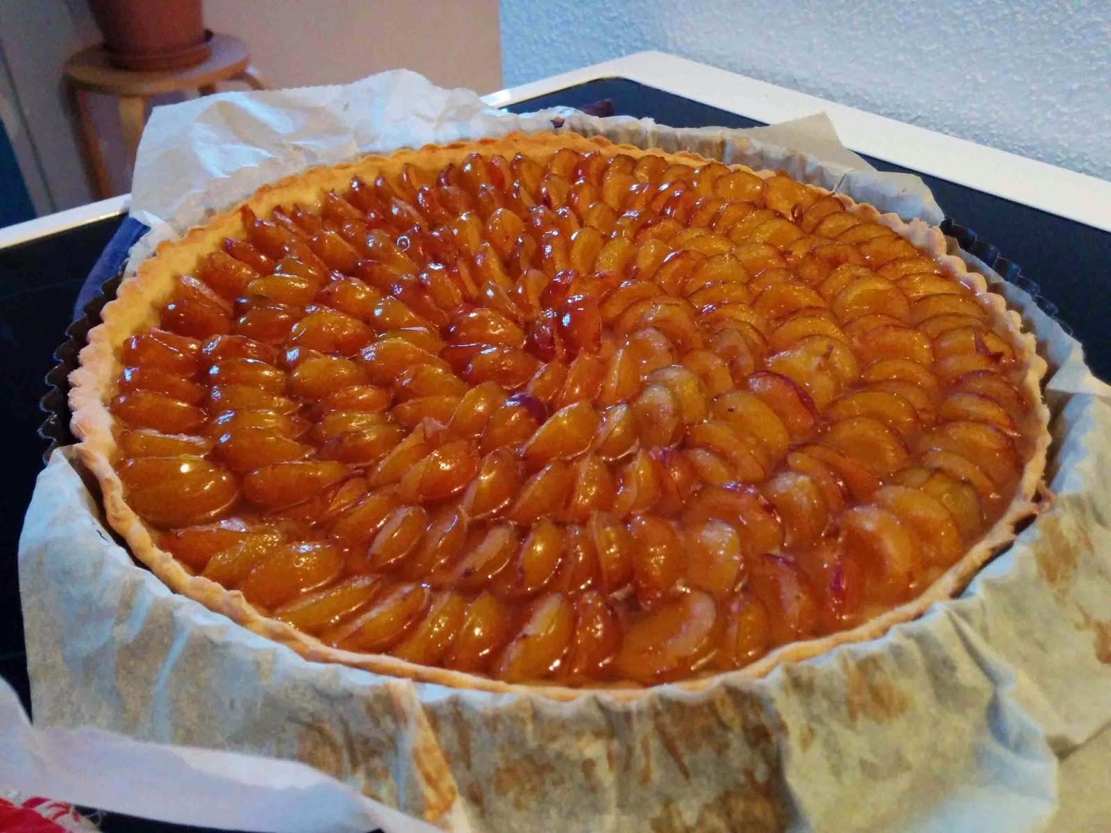 http://camilleenchocolat.blogspot.fr/2014/09/tarte-aux-mirabelles-et-variante-au.html