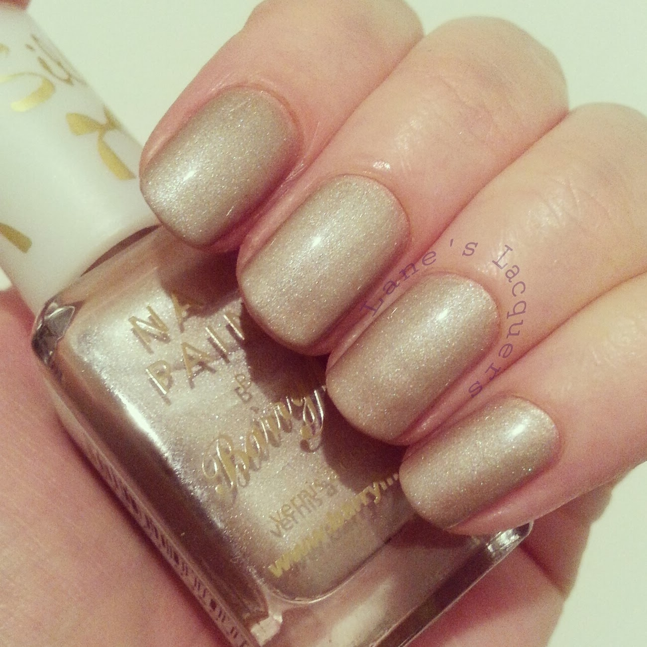 barry-m-silk-truffle-topcoat-swatch-nails