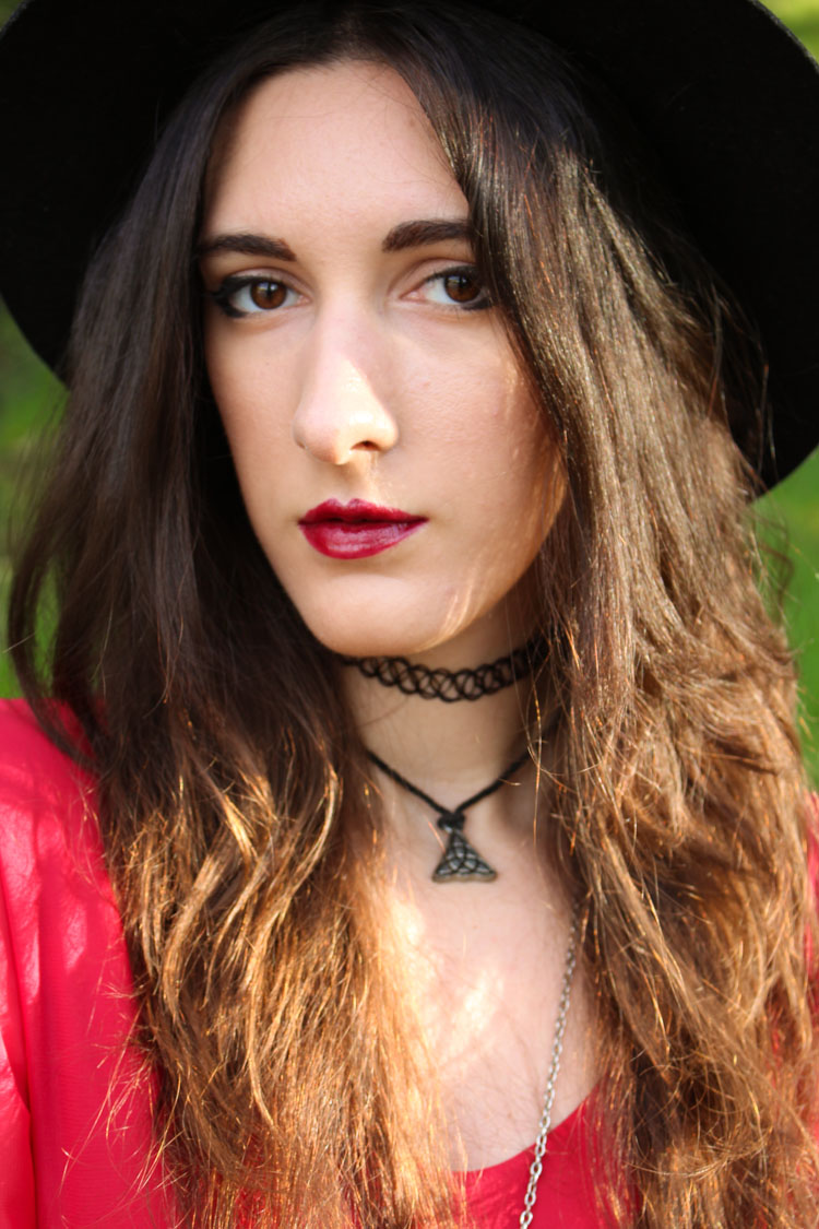 OOTD: Red dress, black hat, portrait