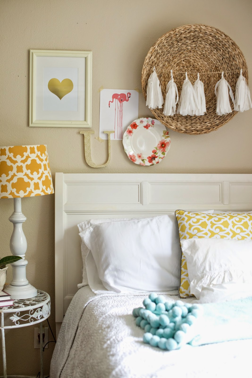 Domestic fashionista updates to our guest bedroom for Fashionista bedroom ideas