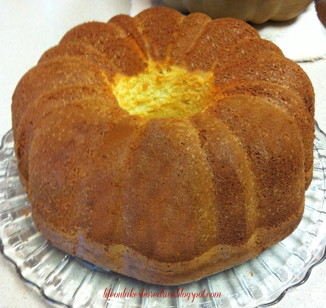 "alt=""Cream Cheese Pound Cake"""
