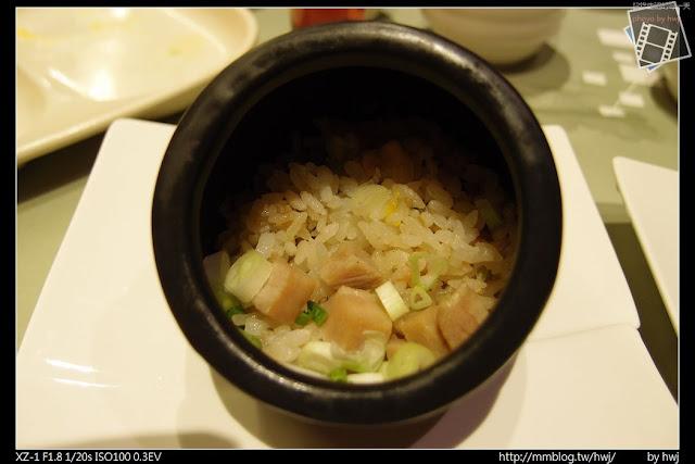 2013-05-09虎尾陶板屋 飯糰:五目角豚炊飯。(五目不知道是甚麼意思?)