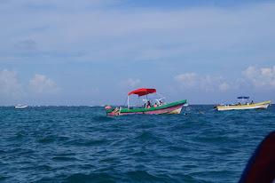 Snorkling boat off shore Tulum