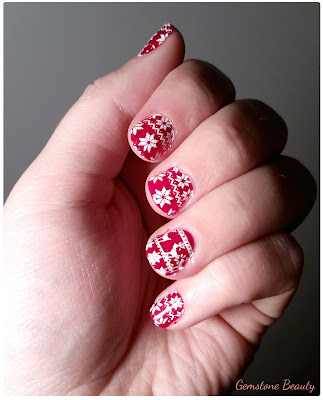 Ugly Christmas Sweater Nails
