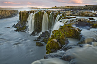 Dettifoss waterfall travel guide, Iceland - Hiking trails at Dettifoss (west and east)