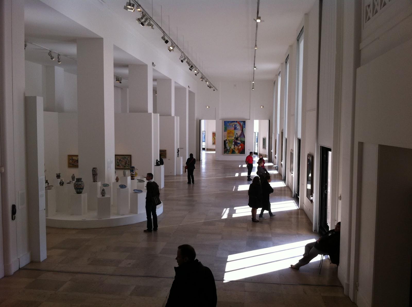 Paris Art Theft Inside Paris' Modern Art
