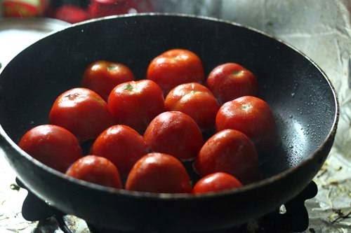 Fried Tomato with Minced Pork - Cà Chua Chiên với Thịt Bằm