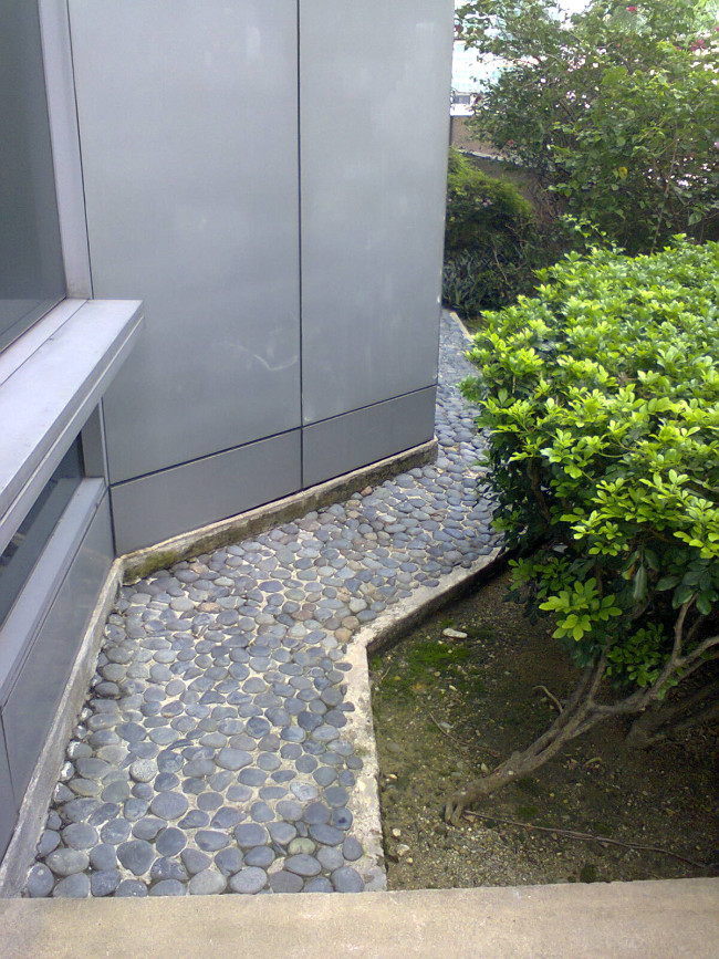 Damansara Uptown secret garden pebble path to another secret garden beside Uptown 2