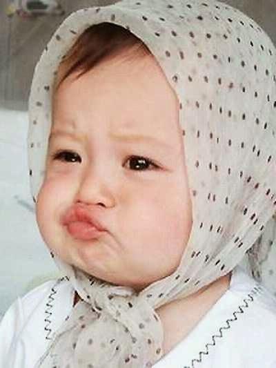 Foto Lucu Ekspresi Bayi - Kekecutan