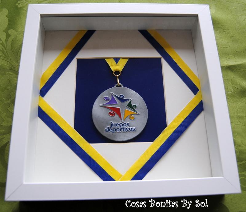 Cosas Bonitas By Sol: Cuadritos 3D IKEA con medalla.