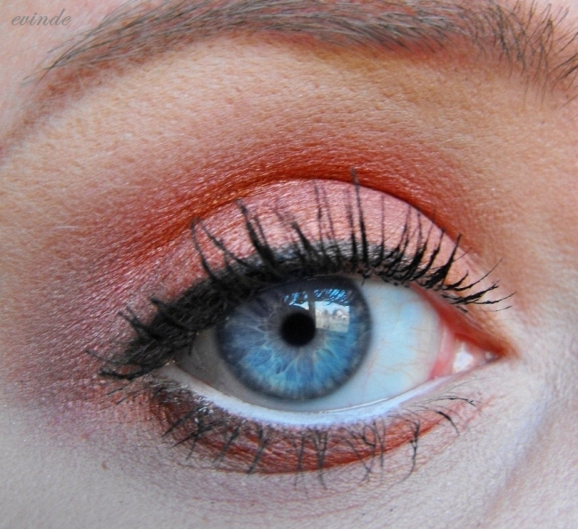 how to make your blue eyes pop