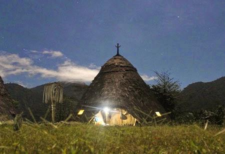 Kampung Wae Rebo pada malam hari
