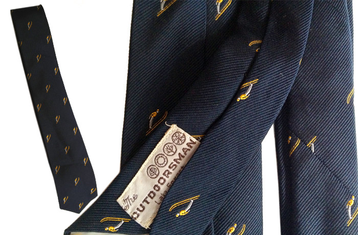 Navy ski tie