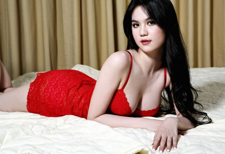 Ngoc Trinh Hot Photos