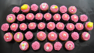 Girl Bbay Shower Cupcakes