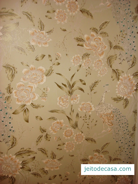 lavatory-decor- wallpaper-decoration