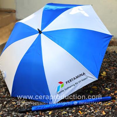 Souvenir Payung Promosi Semigolf Pertamina - ceraproduction
