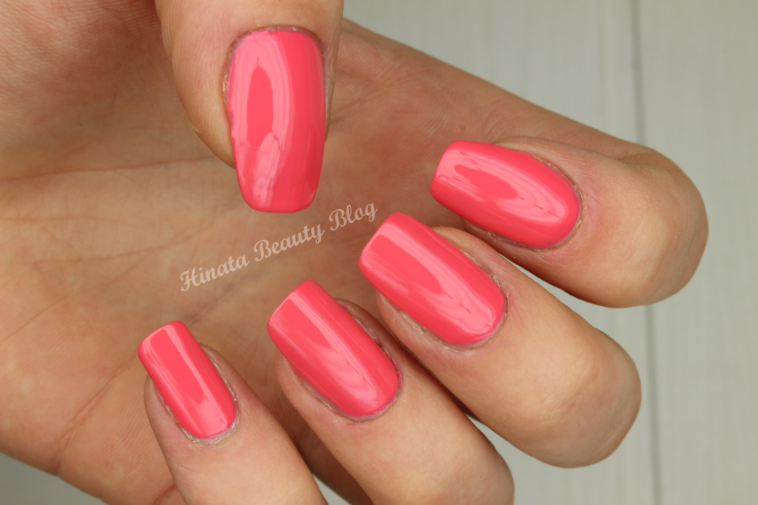 Sally Hansen 405 Coral Reef