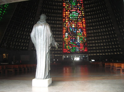 Catedral Metropolitana São Sebastião do Rio Janeiro, Brasil, La vuelta al mundo de Asun y Ricardo, round the world, mundoporlibre.com