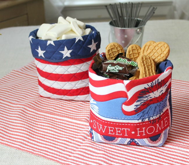 patriotic containers made with placemats