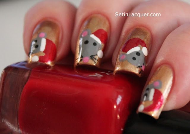 Christmas mice nail art